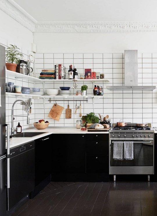 Decopera-ti stilul preferat: 12 interioare de bucatarii superbe in alb-negru - Poza 1