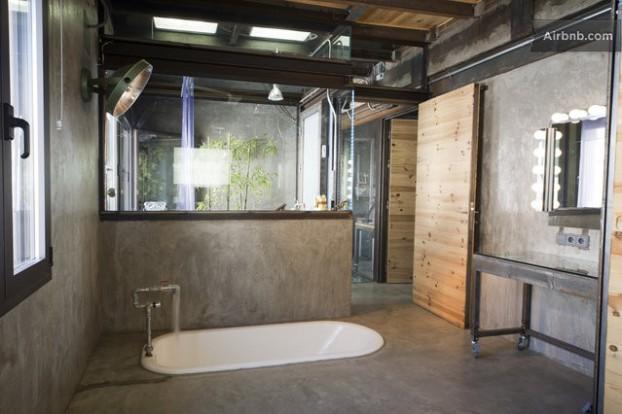 Atmosfera imbietoare a unui apartament chic in stil industrial - Poza 10
