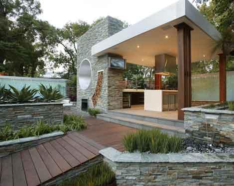 Amenajarea terasei - practic si relaxant - Poza 1