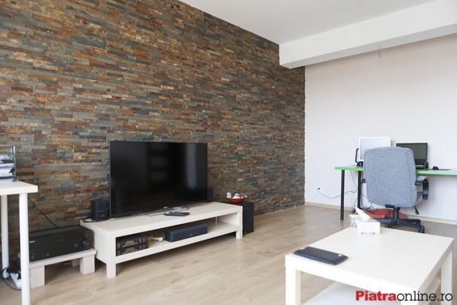Placarea peretilor cu piatra naturala, solutia pentru a transforma un spatiu fad in unul spectaculos - Poza 1