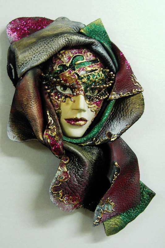 Idei pentru decorarea camerei: sase poze cu masti venetiene - Poza 3