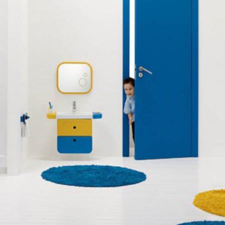 Galerie foto: o minunata amenajare de baie pentru copii pe albastru si galben - Poza 2