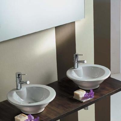 Lux desavarsit in baie: obiecte sanitare din portelan de la Scarabeo - Poza 2
