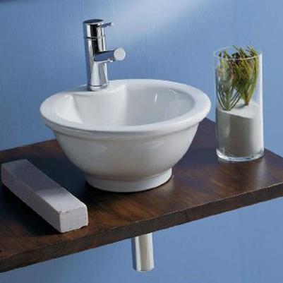 Lux desavarsit in baie: obiecte sanitare din portelan de la Scarabeo - Poza 5
