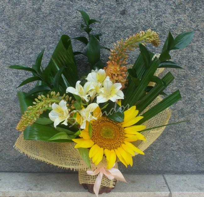 Cadouri unicat pentru Florii. Invata sa creezi propriile aranjamente florale - Poza 2