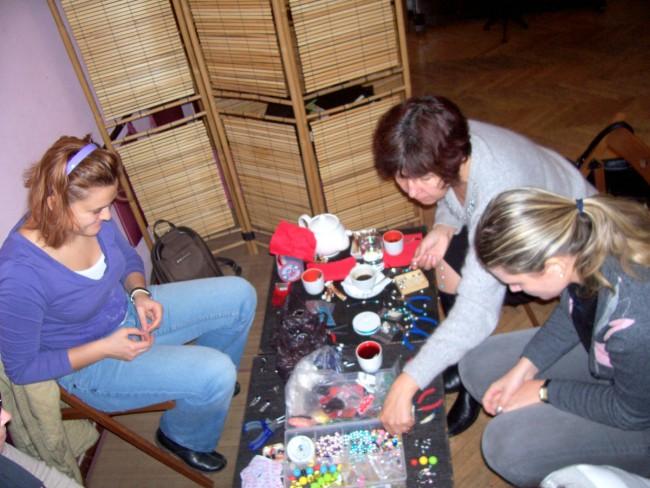 Bijuterii si accesorii handmade. Un mod de relaxare si exprimare a creativitatii - Poza 1
