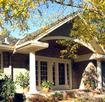 Tu cum alegi materialul pentru acoperis? Orienteaza-te in functie de stilul casei tale - Poza 3