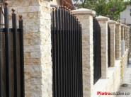Trei idei pentru gardul din piatra naturala - Poza 1