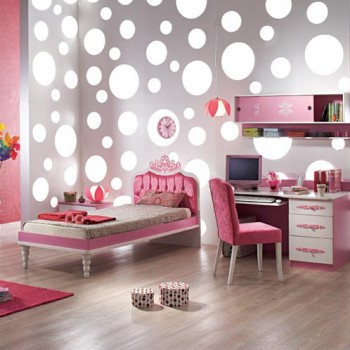 Galerie foto: idei minunate de amenajare a unui dormitor roz pentru fetite - Poza 1