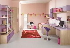 Galerie foto: camere pentru tineret amenajate in nuante de violet