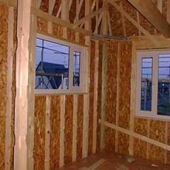 Constructii din lemn: avantajele utilizarii placilor OSB